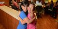 Saudara Kembar Ini Kerja di RS Sama Usai Pisah 40 Tahun