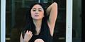 Dewi Perssik Pamer Goyangan Hot di Syuting Video Klip Salsa Dangdut