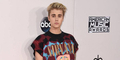 Lagi, Justin Bieber Dihujat Gara-Gara Pakai Kaus Nirvana