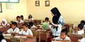Miris, Gaji Guru Rp 200 Ribu Lebih Kecil dari Tukang Ojek