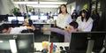 Motivasi Karyawan Pria, Perusahaan Ini Hadirkan 2 Gadis Cantik