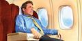Risiko Berbahaya Menahan Kentut Saat Di Pesawat