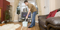 Suami Bergaji Kecil Terbiasa Membantu Tugas Rumah Tangga