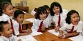 Tidak Bisa Nulis Latin, Murid SD Diusir Guru Sampai Trauma
