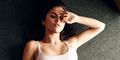 Foto Seksi Selena Gomez Tanpa Bra di Majalah InStyle