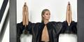 Paris Hilton Pamer Bokong Seksi & Mulus di Majalah Paper