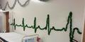 Unik, Rumah Sakit Ini Rayakan Natal Dengan Peralatan Medis