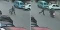 Aksi Heroik Pria Lemparkan Sepeda Ontel Jatuhkan Penjahat