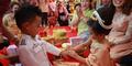 Foto Tunangan & Prewed Balita 5 Tahun Hebohkan Netizen