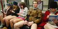 Orang Sekota London Cuek Naik Kereta Tanpa Celana