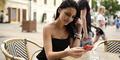 Peneliti: Sibuk Dengan Ponsel Bikin Tuli Sementara
