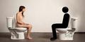 Protes Bugil Seniman Cantik, Duduk di Toilet 2 Hari