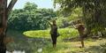 Video: Ngeri, Asyik Selfie Di Pinggir Sungai Malah Diterkam Buaya