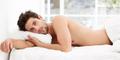 4 Manfaat Sehat Tidur Telanjang Bagi Pria
