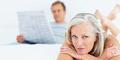 6 Alasan Pria Suka Wanita Lebih Tua
