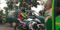 Aksi Biker Ninja Hadang Bus Begajulan Dipuji Netizen
