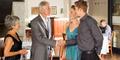 3 Cara Pria Ambil Hati Calon Mertua