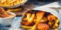 3 Dampak Buruk Makan Gorengan Dibungkus Koran