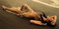 Nikita Mirzani Pamer Foto Hot Telanjang di Pantai