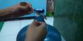 Video: Cara Buka Tutup Galon Aqua Pakai Sendok