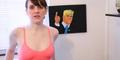 Video: Heboh! Wanita Lukis Donald Trump Pakai Payudara