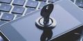 Hacker Bisa Retas iPhone Cuma Pakai Nomor Ponsel