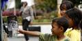 Ibu Paksa 4 Anaknya Mengemis, Ditarget Dapat Rp 100 Ribu