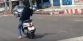 Ketiduran Saat Nyetir Motor, Pria Ini Tabrak Pejalan Kaki