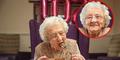 Panjang Umur, Nenek 102 Tahun Ngaku Sering Pelukan & Bahagia