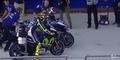 Video: Lorenzo Bentak Rossi Saat Ganti Motor