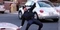 Tony Lepore, Aksi Polisi Penari Pengatur Lalu Lintas