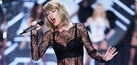 Lingerie Seksi Taylor Swift di Victoria's Secret Fashion Show