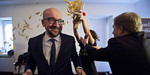 Video PM Belgia Charles Michel Dilempari Kentang Goreng Demonstran