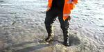Video Pria ini Mampu Berjalan di Atas Pasir Hisap