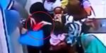 Waspada Ibu-ibu Gendong Anak di ATM Ternyata Pencopet