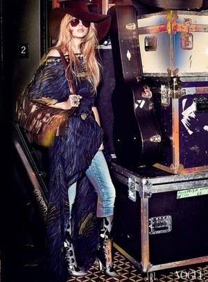 Amazing! Taylor Swift Tampil Menawan di Majalah Vogue