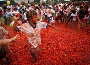 Festival Perang Tomat di Kolombia