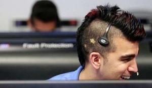 'Bobak Ferdowsi' Ilmuwan NASA Bergaya Nyentrik Berambut Mohawk