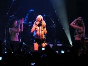 Konser Vulgar 'The Pretty Reckless' di Buenos Aires