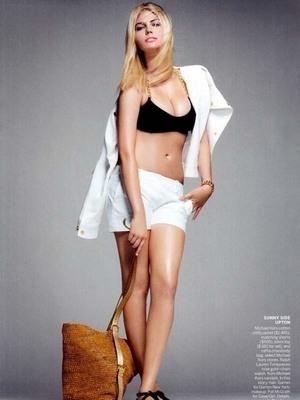 Kate Upton Tampil Seksi Menggoda di Vogue edisi November