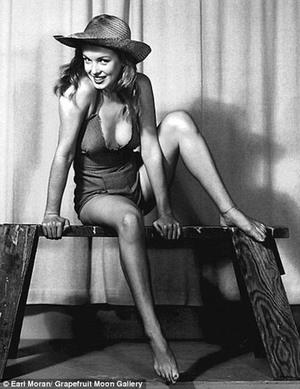 Foto Bugil Marilyn Monroe Disebar Sang Fotografer