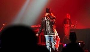 Aksi Guns N Roses di MEIS Ancol