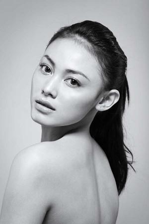 Foto Cantik dan Seksi Whulandary Herman, Puteri Indonesia 2013