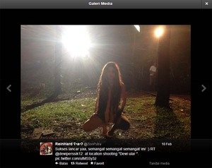 Adegan Bugil Dewi Perssik di Film 'Titisan Nyi Blorong'