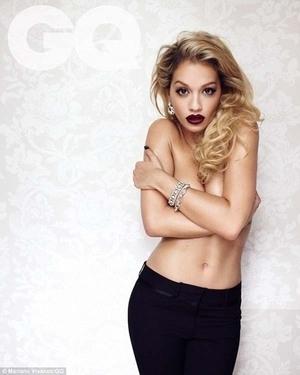 Rita Ora Topless di Majalah GQ
