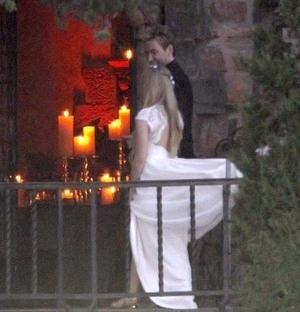 Pernikahan Gothic Ala Avril Lavigne & Chad Kroeger