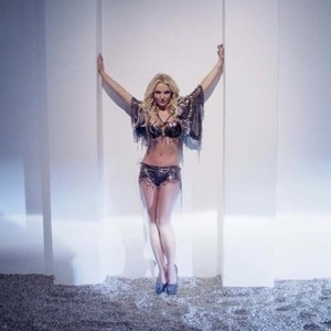 Penampilan Seksi Britney Spears di Video Work Bi**h