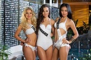 Cantiknya Kontestan Miss Universe 2013 Dalam Balutan Bikini Seksi