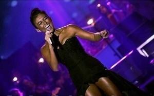 Aksi Agnes Monica di Konser Harmoni My Agnez Mo SCTV