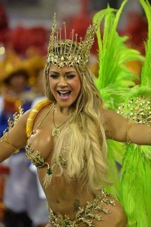 Karnaval Seksi Brasil 2014 Sambut Piala Dunia